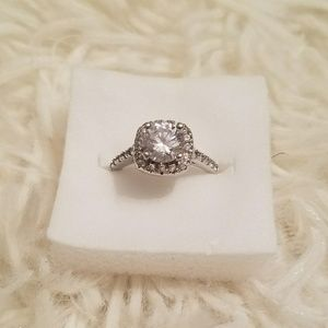 Jewelry - Halo Style Sterling 925 Ring - Size 6